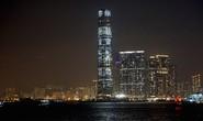 Thông điệp thách thức trên toà nhà chọc trời Hồng Kông