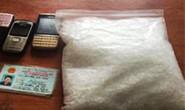 Bắt 4 người cùng 2,1 kg ma túy đá trong 1 phòng khách sạn