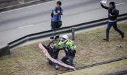 Hồng Kông bắt 5 sinh viên chặn xe lãnh đạo Trung Quốc