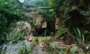 3 phu vàng mắc kẹt: Bàn phương án nổ mìn phá cửa hang