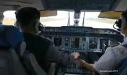 Ông Kim Jong-un lái máy bay, bắn súng, đi tàu ngầm