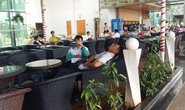 Sân bay Buôn Ma Thuột tê liệt nhiều giờ liền