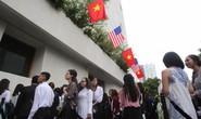Người Sài Gòn đổ về GEM center chờ ngắm Tổng thống Obama