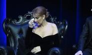 Celine Dion rơi lệ tại lễ tưởng niệm chồng