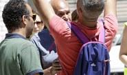 Xót xa cảnh bố khóc thương con chết trong vụ khủng bố Nice