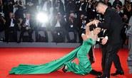Diễn viên Trung Quốc vồ ếch trên thảm đỏ LHP Venice