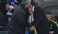 Mourinho tố bị Conte làm nhục