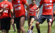 Sanchez lỡ trận gặp Colombia vì chấn thương