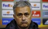 """Mourinho """"méo mặt"""" vì thời tiết Ukraine"""