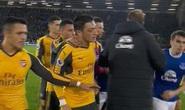 Cầu thủ suýt đánh nhau trận Arsenal thua Everton