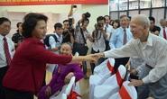 Chủ tịch Quốc hội Nguyễn Thị Kim Ngân tươi tắn đi bầu cử