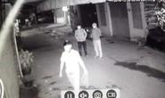Truy tìm 3 thanh niên đốt quán ốc