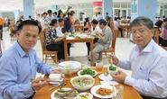 Hơn 1.000 cán bộ Đà Nẵng dùng cơm hải sản sau vụ cá chết