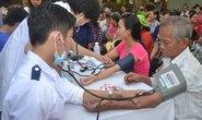 Khám, cấp thuốc miễn phí cho 700 lượt bệnh nhân nghèo