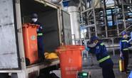 Người dân giám sát bãi rác Đông Thạnh