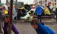 Kinh hoàng tàu lượn trật đường ray rơi xuống đất