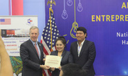 Đại sứ Mỹ trao giải thưởng khởi nghiệp cho cặp vợ chồng ở TPHCM