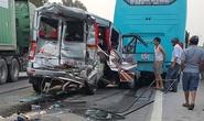 Xe tải tông nát xe khách, 11 người nhập viện cấp cứu