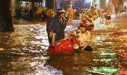 TP HCM lại khốn khổ vì mưa lớn