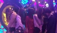 7 thiếu nữ cùng 11 thanh niên vào phòng karaoke phê ma túy