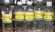Mỗi ngày bán gần 400 chai giấm làm từ a-xít và nước lã ra thị trường