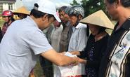 Báo Người Lao Động cứu trợ vùng rốn lũ Bình Định