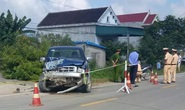 Chủ tịch xã lái ô tô va chạm với xe máy, 2 người tử vong