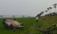 Xế hộp tông xe máy bay 10 m, 2 người thương vong
