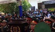 Hàng ngàn người đến đưa tiễn đại tá phi công Trần Quang Khải