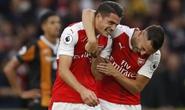 Tân binh Xhaka lập siêu phẩm, đưa Arsenal lên nhì bảng