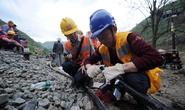 Sạt lở đất, 35 công nhân bị chôn vùi