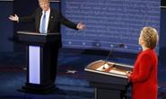 Bà Clinton dồn ông Trump vào thế thủ