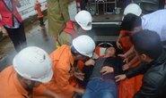 Vượt sóng gió cứu thuyền viên Trung Quốc