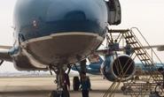 Siêu Boeing787 và Boeing777 hỏng động cơ vì đụng chim trời