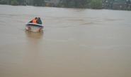 Nhiều nơi ngập sâu 2 m, Đắk Lắk điều canô cứu dân