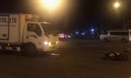 Xe tải tông văng xe máy trên đường Phạm Văn Đồng giữa đêm