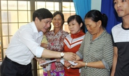 Tổng LĐLĐ chia sẻ người dân vùng lũ Phú Yên