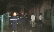 Nổ bình gas, nhà bốc cháy, 2 người bỏng nặng
