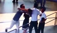 Không thể chấp nhận thanh tra giao thông đánh nữ nhân viên hàng không