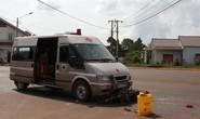 Xe cứu thương đưa người chết về quê gặp tai nạn