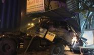 Xe container đâm vào nhà dân trong đêm