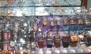 Đồng hồ giả hiệu nổi tiếng bán tại trung tâm thương mại