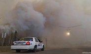 Canada: Nhà riêng bị thiêu rụi, lính cứu hỏa cắn răng chiến đấu