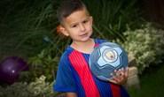 Man City ký hợp đồng với cầu thủ… lên 3