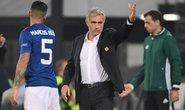 Mourinho bực bội với bàn thắng việt vị của Feyenoord