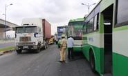 Tai nạn liên hoàn, xa lộ Hà Nội kẹt cứng
