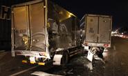 Tai nạn liên hoàn, tài xế bò ra từ buồng lái bẹp dúm