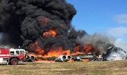 Vừa cất cánh, máy bay B-52 bổ nhào xuống đất