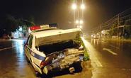 Dừng để phạt xe vi phạm, xe CSGT bị tông nát đuôi