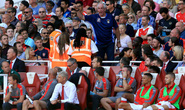 Arsenal thua đau, Wenger bị CĐV điểm mặt
